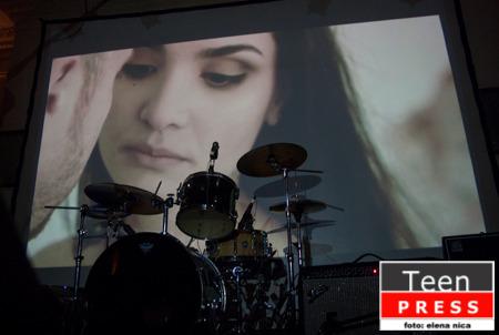 """Am fost la concertul de lansare a clipului """"Poza"""" – Pinholes"""